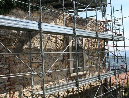 Ravalement de façade : le guide complet pour des travaux réussis